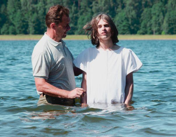 Le Baptême d'eau selon la Bible : Quels secrets nous revèlent les écritures !